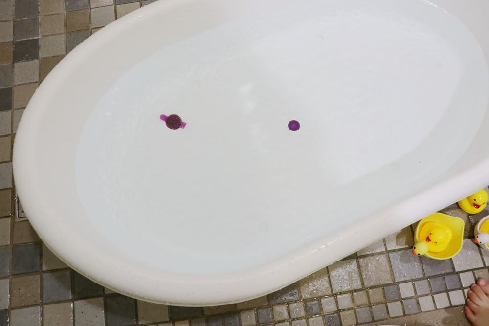寶寶澡盆推薦-美國 Born Fair天鵝自動出水淋浴澡盆