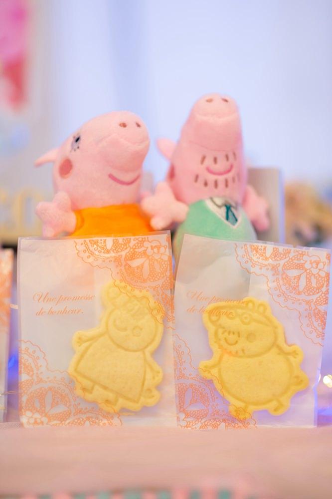 客製手工佩佩豬餅乾推薦-蝦皮賣家自然甜。小孩慶生餅乾分享