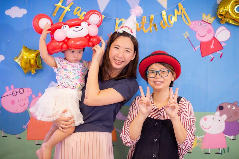 慶生派對氣球姐姐推薦-蛙蛙姐姐折氣球