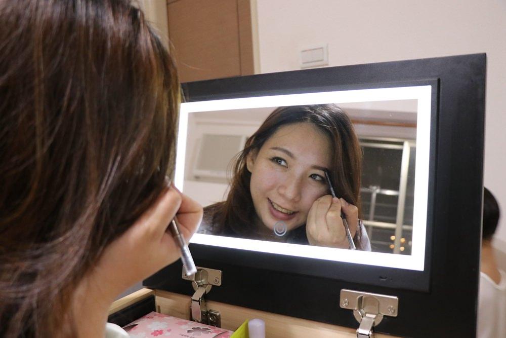 Patya打鐵仔-化妝好朋友開箱。最強行動化妝台
