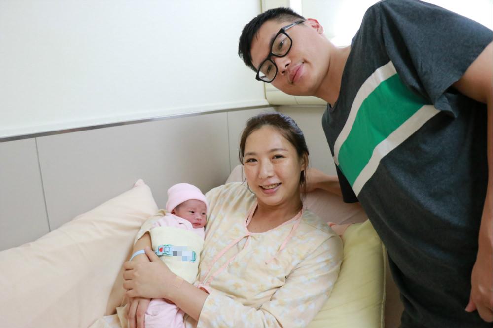 剖腹產後也能自然產-39+6催生自然產生產紀錄。歡迎二寶來報到