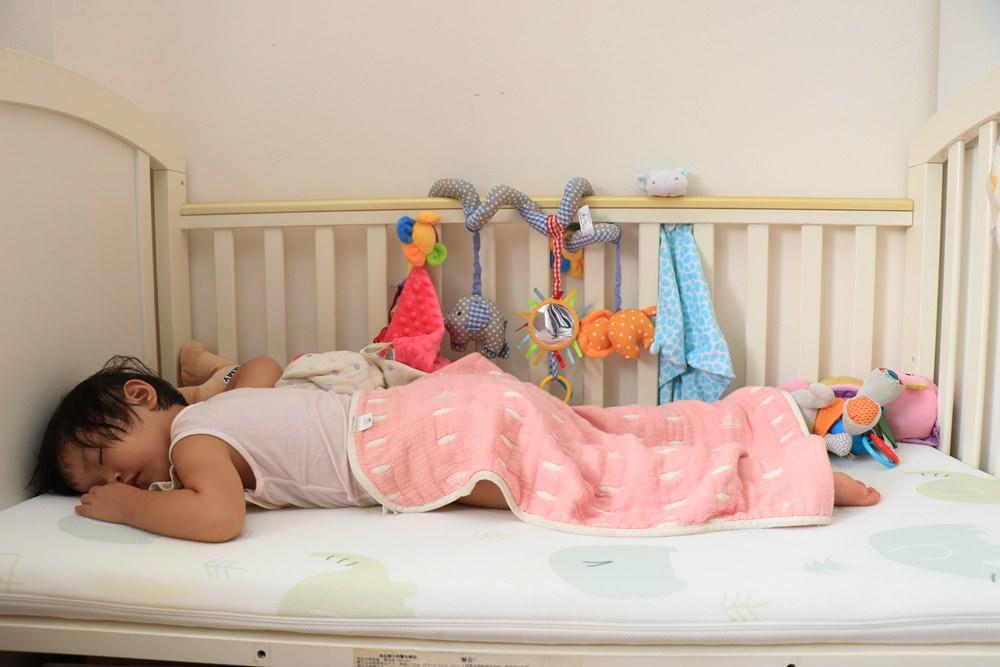 寶寶床墊推薦。PAMABE水洗透氣護脊嬰兒床墊 ▌好睡好洗好透氣