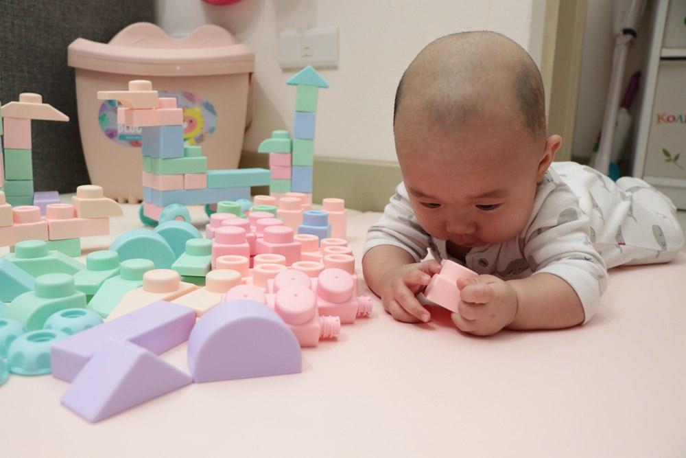 寶寶積木怎麼選。Moomu馬卡龍香草味軟積木開箱