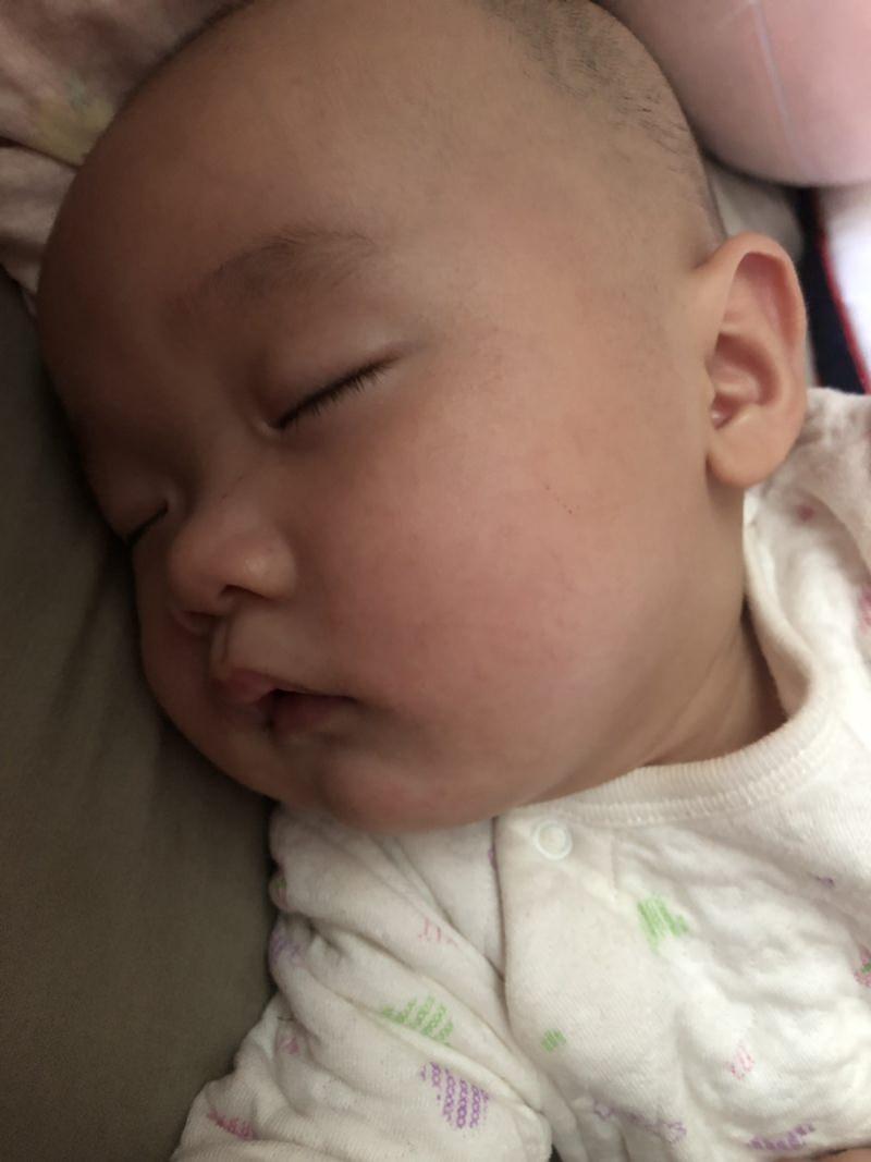 新手媽媽在家學會寶寶按摩。宣媽媽哺育顧問到府服務 ▋寶寶按摩訣竅