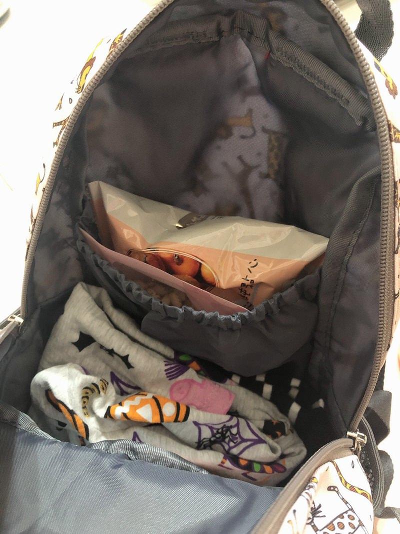 英國Hugger時尚孩童背包、防走失包開箱實背。逛街、戶外教學出門帶著Hugger趴趴造