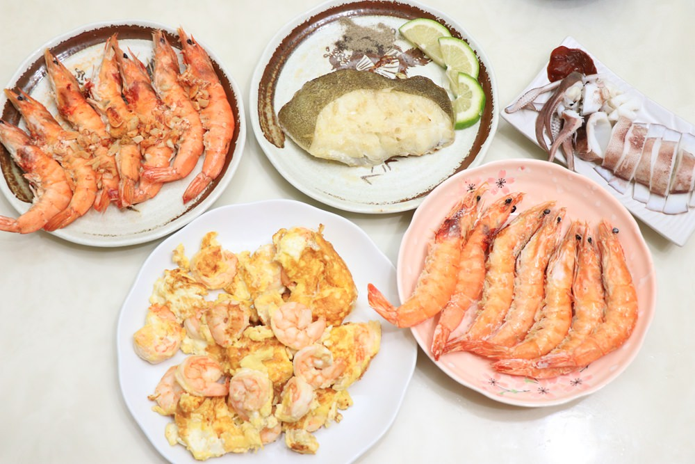 用卡馬龍白晶蝦做出美味料理。來自厄瓜多的頂級特選美洲白晶蝦