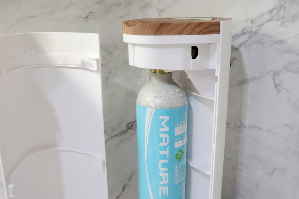 美萃氣泡水機開箱-Luxury440系列,大容量氣瓶可打190瓶,不僅氣泡水,也能打果汁、飲料