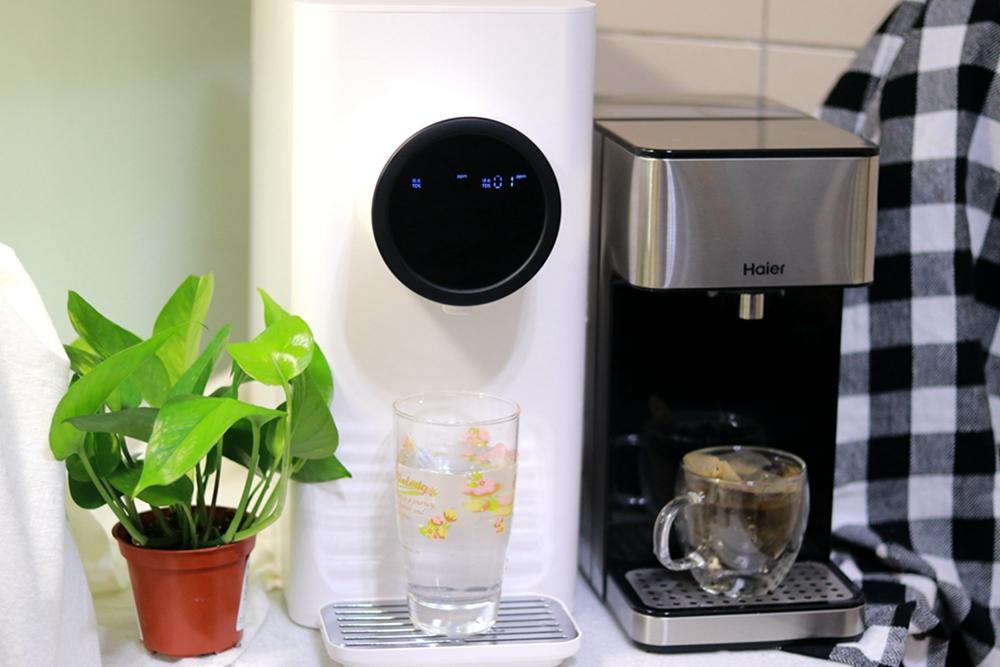 《海爾Haier》瞬熱式淨水器免安裝-RO小白鯨VS 鋼鐵海豚 ▋三秒瞬熱 在家安心喝好水