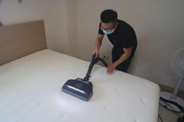 【生活】全室除塵蟎初體驗,「除塵蟎夫妻」給你一塵不染