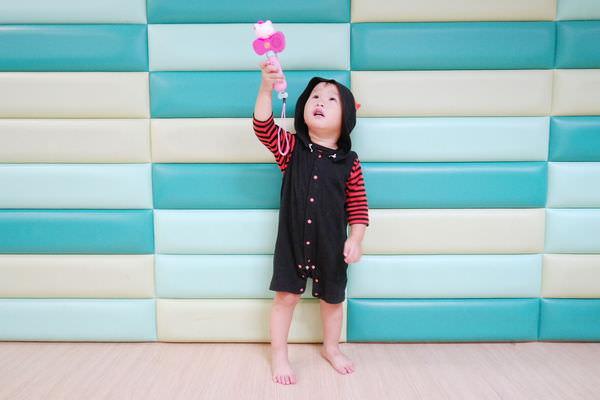 芽比兔音樂故事機,寶寶的好朋友 ▋全矽膠材質,台灣錄音,多達1200首曲目,約6000分鐘,支援藍芽、錄音模式