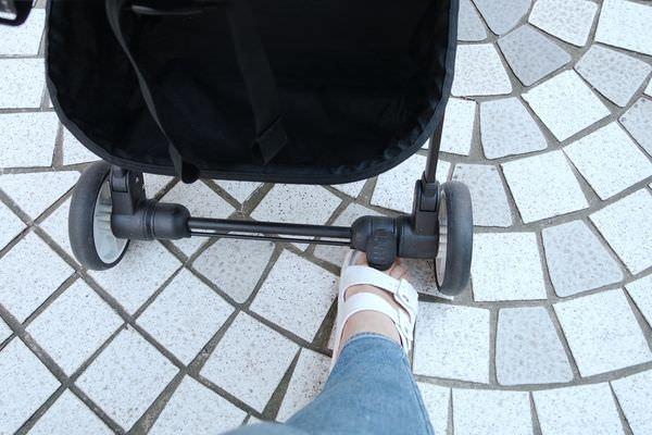 【寶寶】嬰兒草上飛 BabyFly 輕便拉桿式手推車開箱介紹