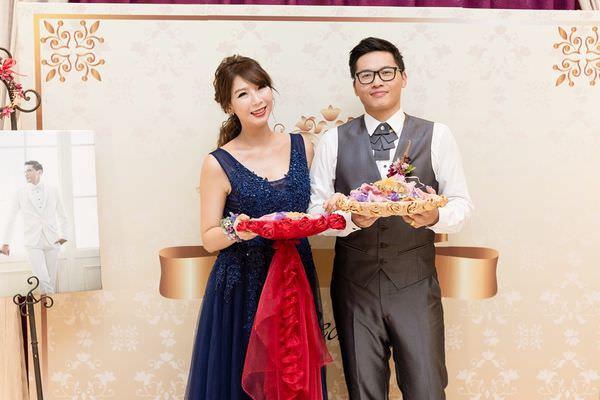 【婚禮】簡單的DIY婚禮佈置 @艾比媽媽
